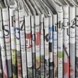 Zeitschriften aneinander gereiht